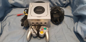 Gamecube and 2 controllers