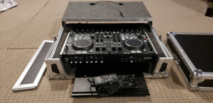 Denon DJ DN-MC6000 Mixer Controller with Odyssey Glide Case