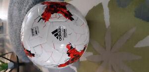Adidas match ball replica.soccerball