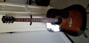 Guild D 25 acoustic guitar. Made in USA. 1980. Excellent conditi