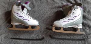ladies skates like new