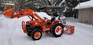 TRACTEUR kubota l2800, 28 hp, 2008 avec équipements
