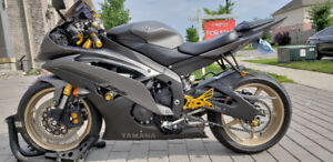 Yamaha R6 Black&Gold from Kijij, Best Colour Combination