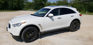 2010 Infiniti FX35 fully loaded V6 Crossover