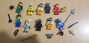 10 Complete Lego Minifigures + accessories (LISTING 6 OF 7)