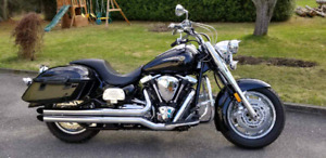*REDUCED* Low km's Yamaha Road Star 1700  Midnight Edition