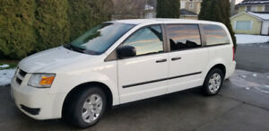 ★ 2009 Dodge Caravan in Richmond ★