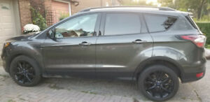 2017 Ford Escape 72000 km. Priced to sell