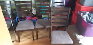 4 (quatre) chaises de cuisine brunes coussinées