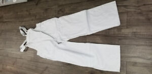 WHITE PAINTER'S PANTS AND OVERALLS BULK AMOUNT