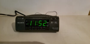 Sony Dream Machine ICF-C470 Dual Alarm AM/FM Clock Radio EUC