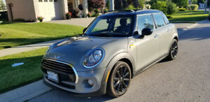 $367.50 taxes included!! Lease Transfer 2017 Mini Cooper 5 door