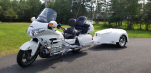 Goldwing GL1800 2006 with custom fiberglass trailer