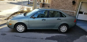 FS: 2005 Ford Focus ZX4 Sedan only 149k original km