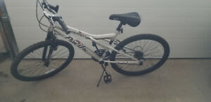Mens 18 Speed Bike.  Rarely used.