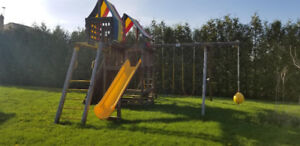 Rainbow Play Systems King Kong Clubhouse!