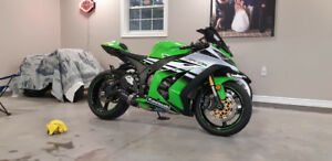 2015 zx10r 30th anniversary **LIKE NEW** only 828kms!!