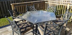 LARGE HEXAGON SHAPED GLASS TOP  PATIO TABLE SET