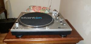 STANTON STR8-60  pro turntable  c/w Art preamp