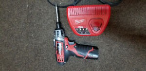 Milwaukee M12 Impact driver + battery + charger