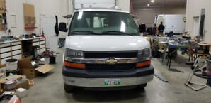 2008 Chevrolet Express Cargo Van 2500 w/Fold out sides *rare*