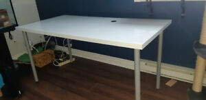 "Table/bureau ikea (Linmon) 59"" x 29.5"""