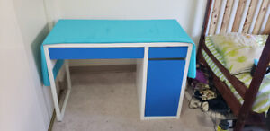 IKEA desk/table in good condition near UofM