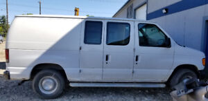 Selling a 2006 E-250 Only has 291000k Cargo Van