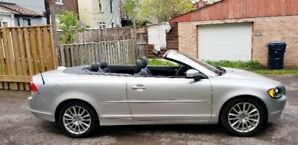 2009 VOLVO CONVERTIBLE JUST IN TIME FOR SUMMER FUN!  LOW KM