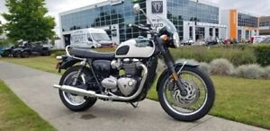 2018 Triumph Bonneville T120 Competition Green