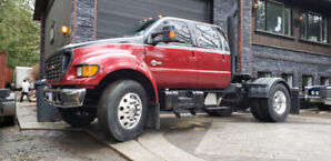 2003 F650 Toy hauler Crewcab Cummins 7 spd Dually