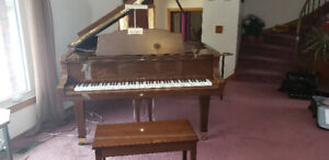 """Wurlitzer 6' 1"""" grand piano by Young Chang"""