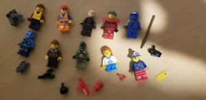 10 Complete Lego Minifigures + accessories (LISTING 2 OF 6)