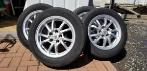 4 PNEUS D'ÉTÉ ET JANTES / 4 SUMMER TIRES AND RIMS P205/60R16 91V
