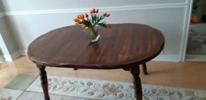 SOLID PINE DINING ROOM TABLE - SEATS UP TO 10