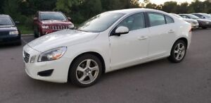 2013 Volvo S60 T5 FWD * SUNROOF, LEATHER, HEATED SEATS  *