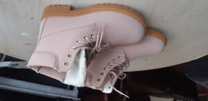 Brand NEW womens size 8 boots PINK