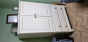Dresser and nightstand for sale.