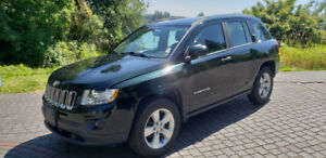 2013 Jeep Compass 4x4  .  Local , No accidents