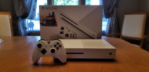Xbox One S Mint Condition! With Controller & Games!