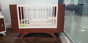 Dutailier Crib - Melon with a conversion kit