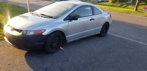 Selling my 2006 honda civic as is. $2000 or best offer