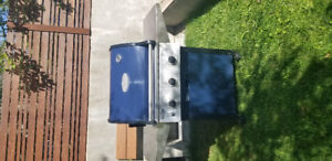 Awesome Propane BBQ - Works great c