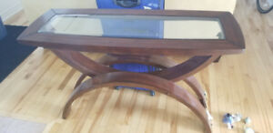 Selling a sofa table.
