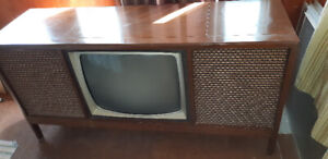 Silverstone Antique Record Player/TV/Stereo set