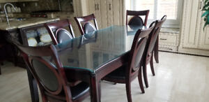 Selling kitchen table and bar stools! (first come first serve)