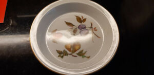 Royal Worcester Evesham Pie Plate Oven to Table Ware Dish 10.75