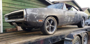 1970 Dodge Charger 440 Auto New Upholstery Needs restoration