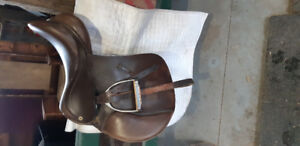 Used Barnsby Jumping Saddle, excellent condition