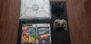 LIMITED EDITION  Xbox Original + 2 Controllers + 12 games